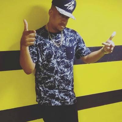 De Boné pra Trás e Glock na Cintura by MC Fabinho da OSK Feat. Mc GW   Mr  Bim  fe8998f09f1